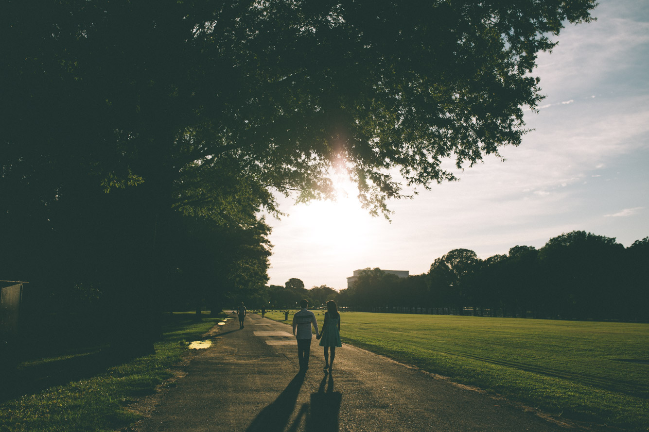 engagement session washington dc national mall walking sunset.jpg