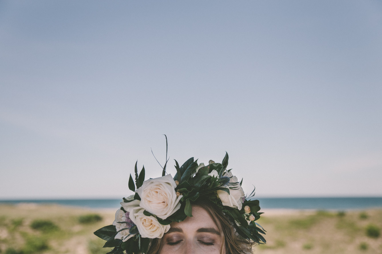bride flower head piece beach.jpg