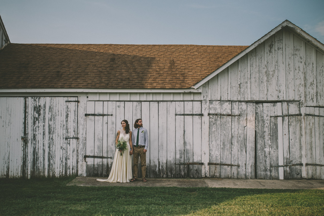 bride and groom steppingstone museum barn.jpg