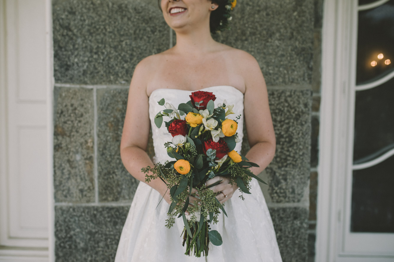 cylburn arboretum baltimore wedding bride bouquet red yellow roses.jpg