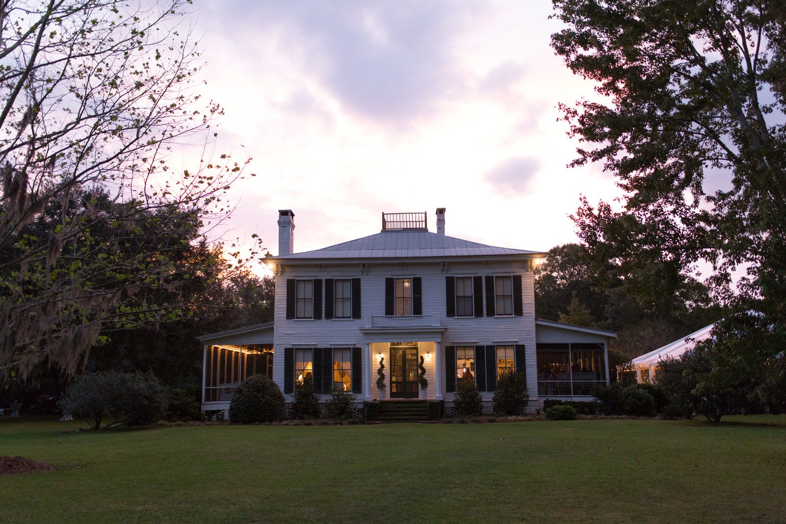 The Glen Venue's Linwood at Sunset. Historic mansion wedding venue in Glen St. Mary
