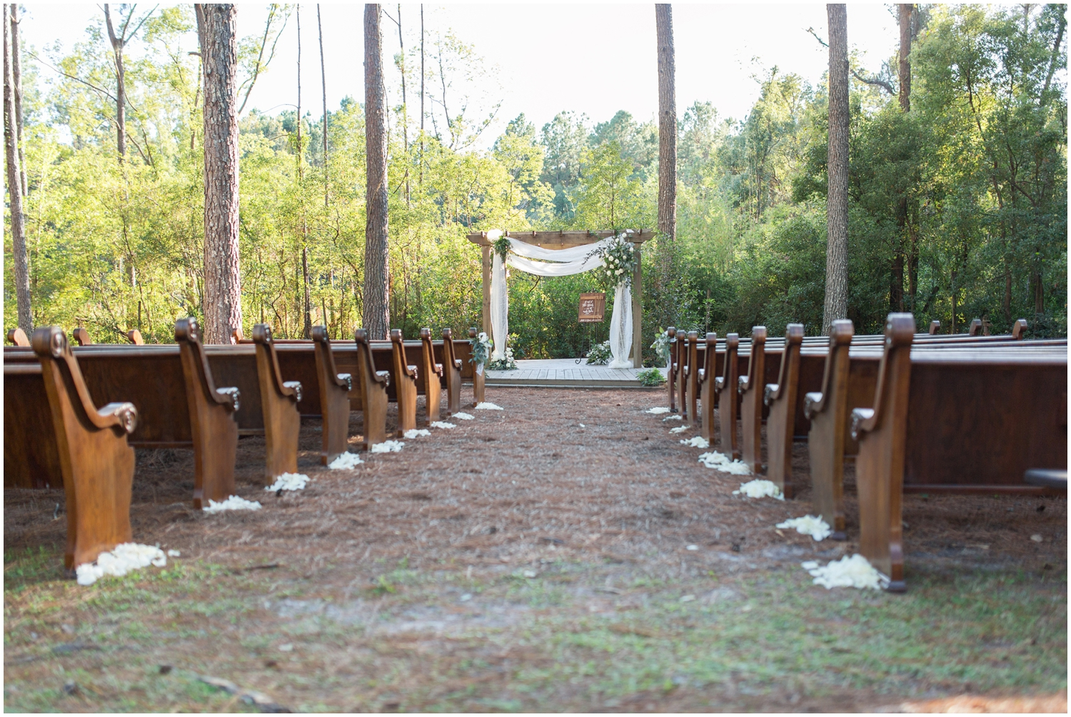 Outdoor wedding ceremony in Glen Venue