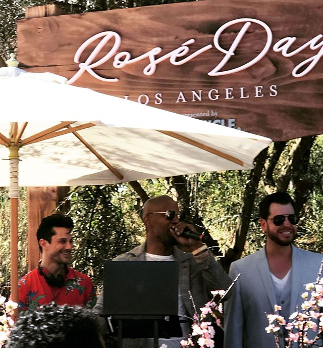 @roseday_la was a real hoot. Thanks to @horseandcarriagehospitality for having me and shouts to @iamjamiefoxx