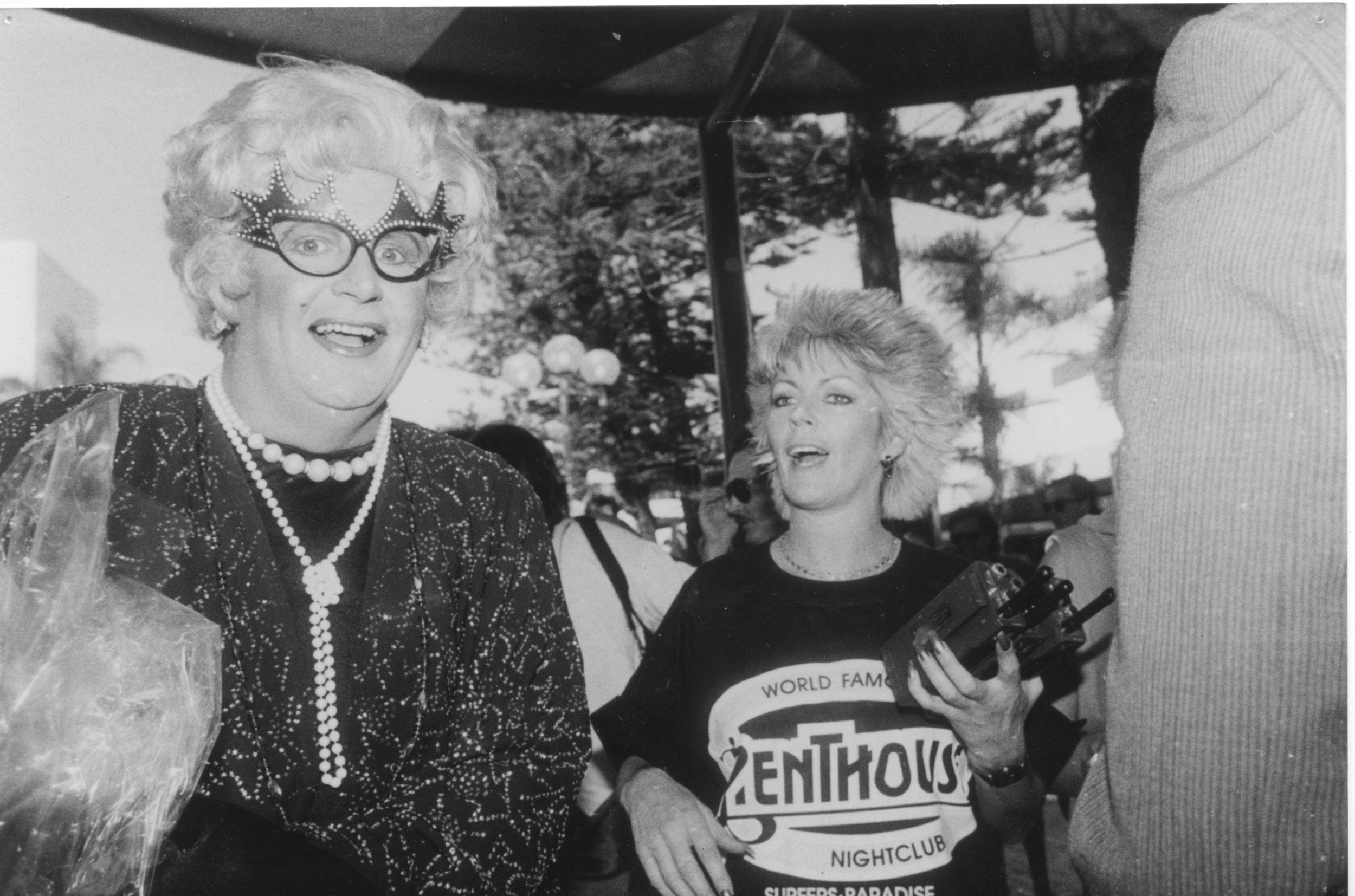 Dame Edna (Steve McDermott).jpg