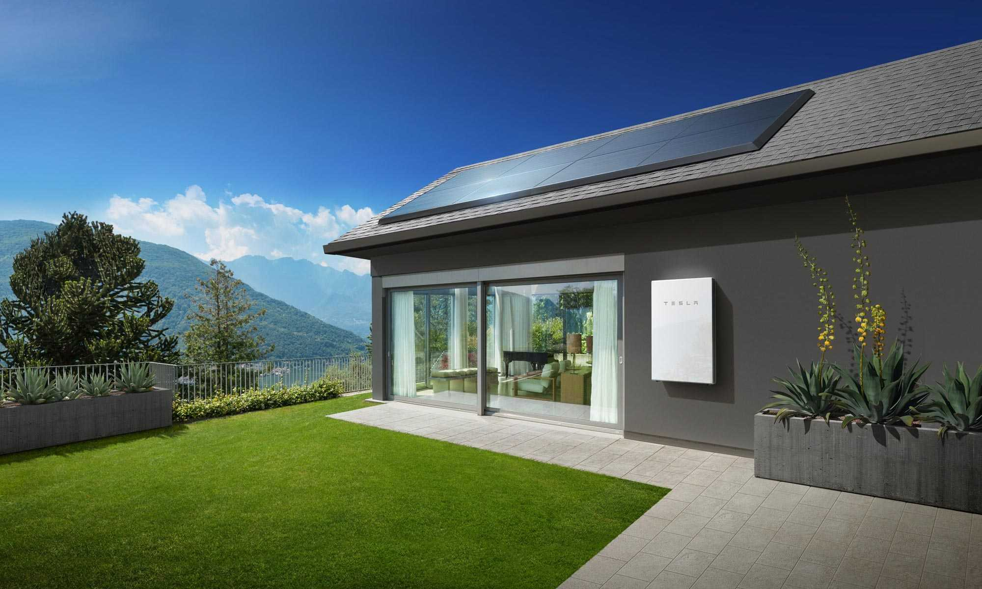 house-with-battery-and-panels_new.jpg