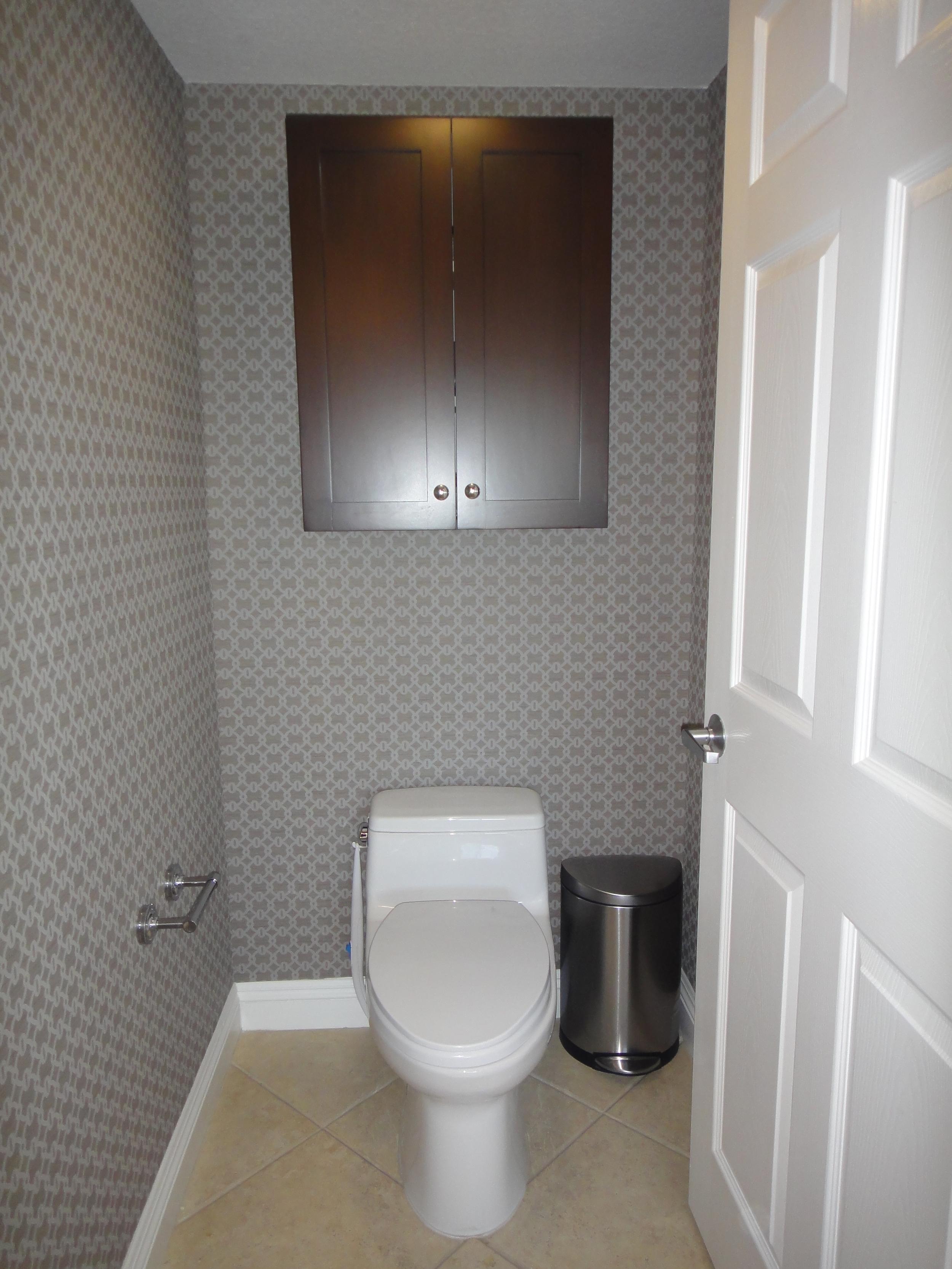 toilet stall - 2.JPG