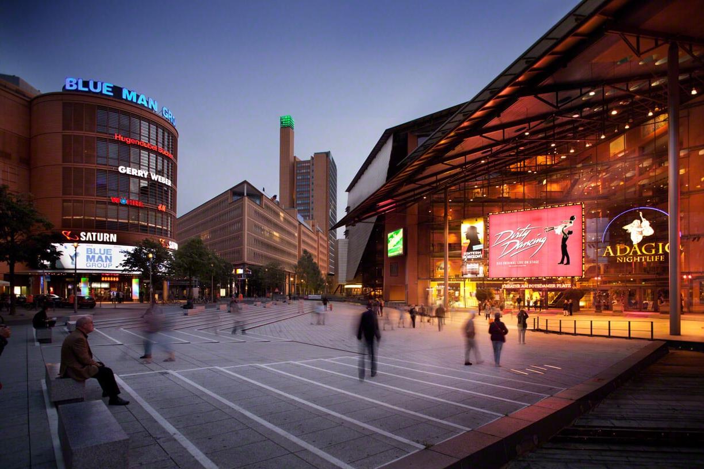 Entertainment Center Street View   Potsdamer Platz