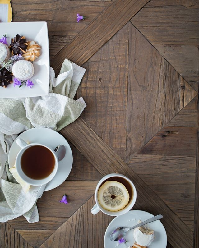 Happy Sunday everyone! ⠀⠀⠀⠀⠀⠀⠀⠀⠀ Are you a tea or coffee person?⠀⠀⠀⠀⠀⠀⠀⠀⠀ ⠀⠀⠀⠀⠀⠀⠀⠀⠀ #happysunday #teaorcoffee #hightea #tealover #inspiration #macarons #mood #foodlover #treatyourself #relax #familytime