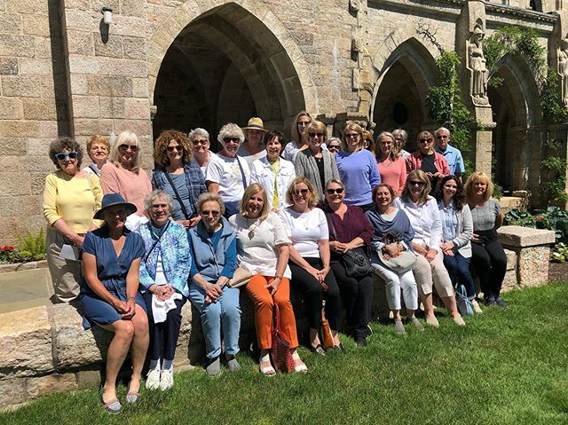 Thanks to everyone who joined my tour to Bryn Athyn last week! We couldn't have asked for a better day - sunshine, gorgeous gardens, amazing history and great company! Here we all in front on the Bryn Athyn cathedral, our last stop of the day. Can't believe I have only one more day trip before I leave for Australia in August ... time is ticking away!! . #brynathyn #brynathyncathedral #visitphilly #gardentour #greatgroup #daytrip #summer #architecture #mylittleatlas #lovewhatyoudo #lovelyladies #noblegardentours #gardenphotography #architecturephotograpy #redbanknj #littlesilvernj #fairhavennj #colonialnurserynj #sunnyday #friends
