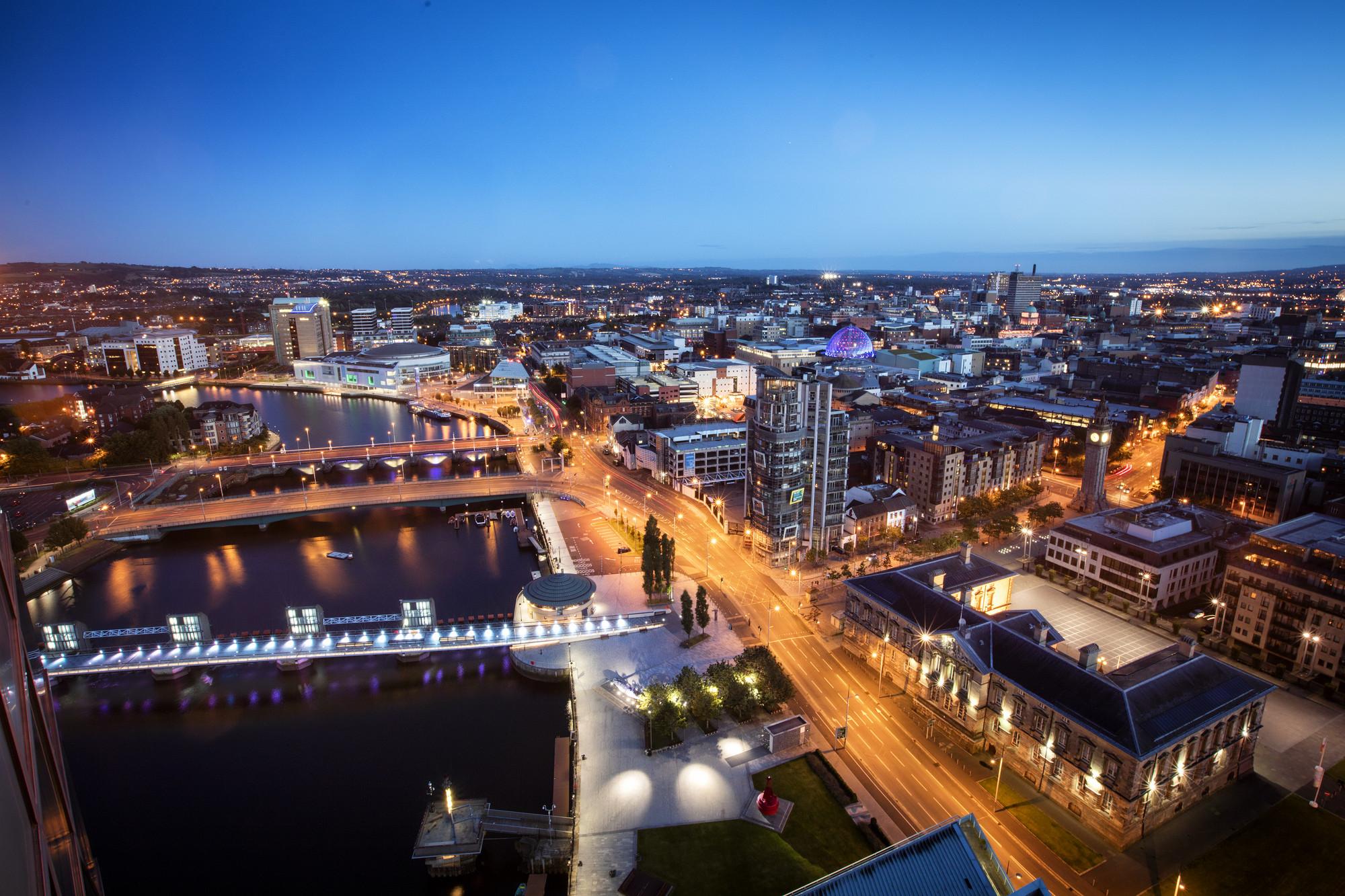 RS7793_Belfast_Cityscape_Night (4)-lpr.jpg