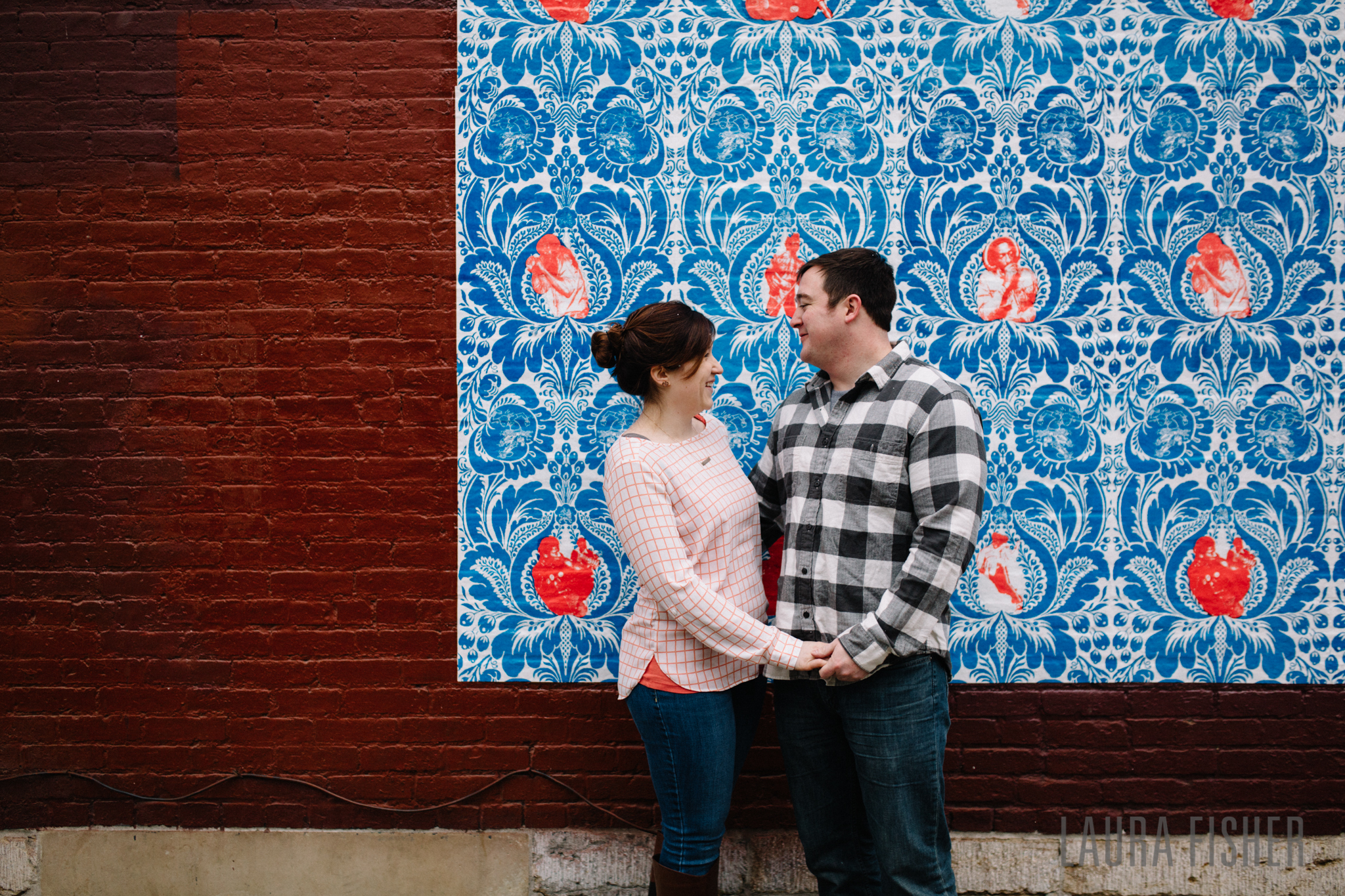 cincinnati-smale-park-OTR-engagement-photography-laura-fisher-0013.jpg