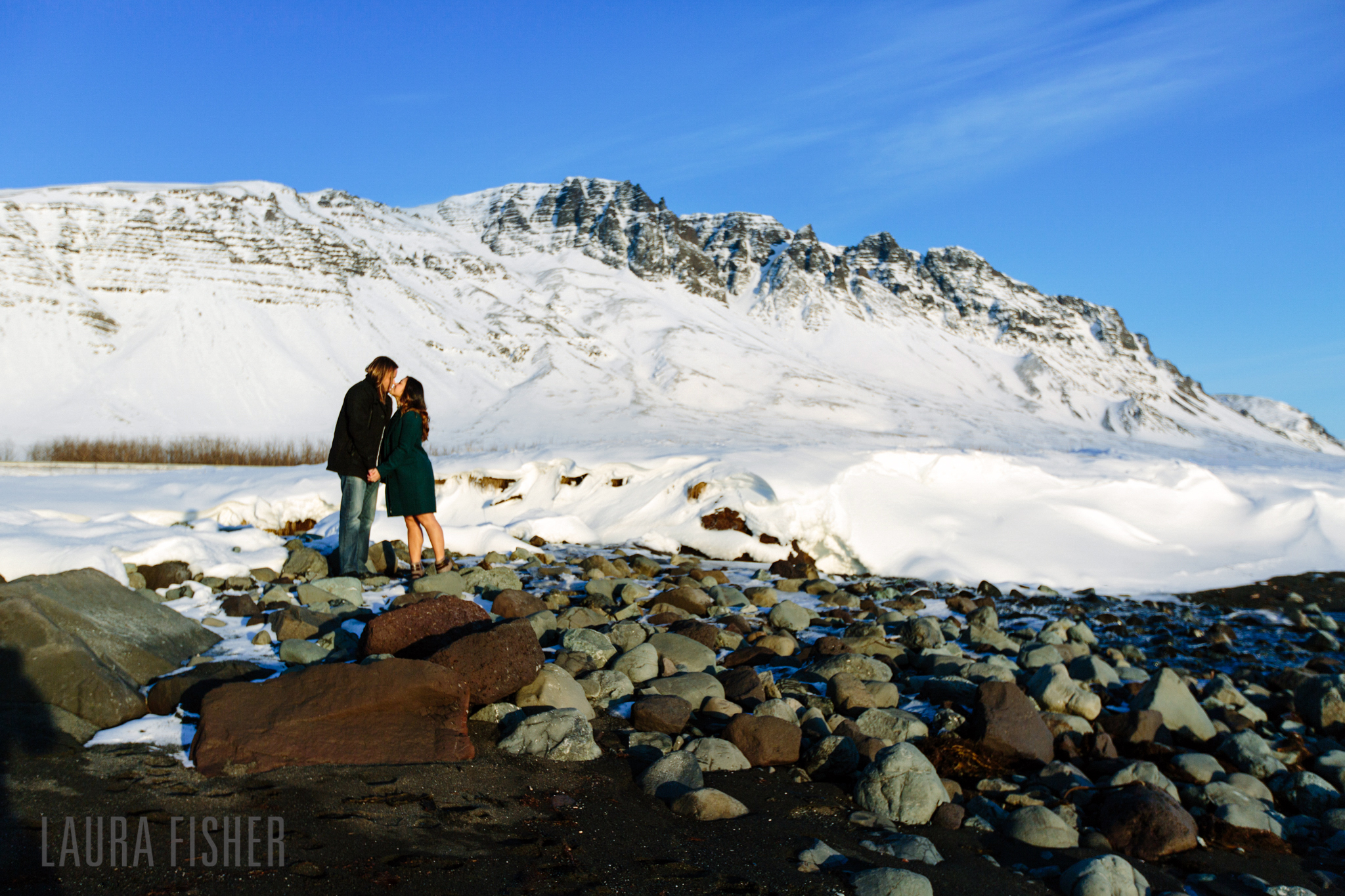 iceland-black-sand-beach-engagement-laura-fisher-photography-0015.jpg