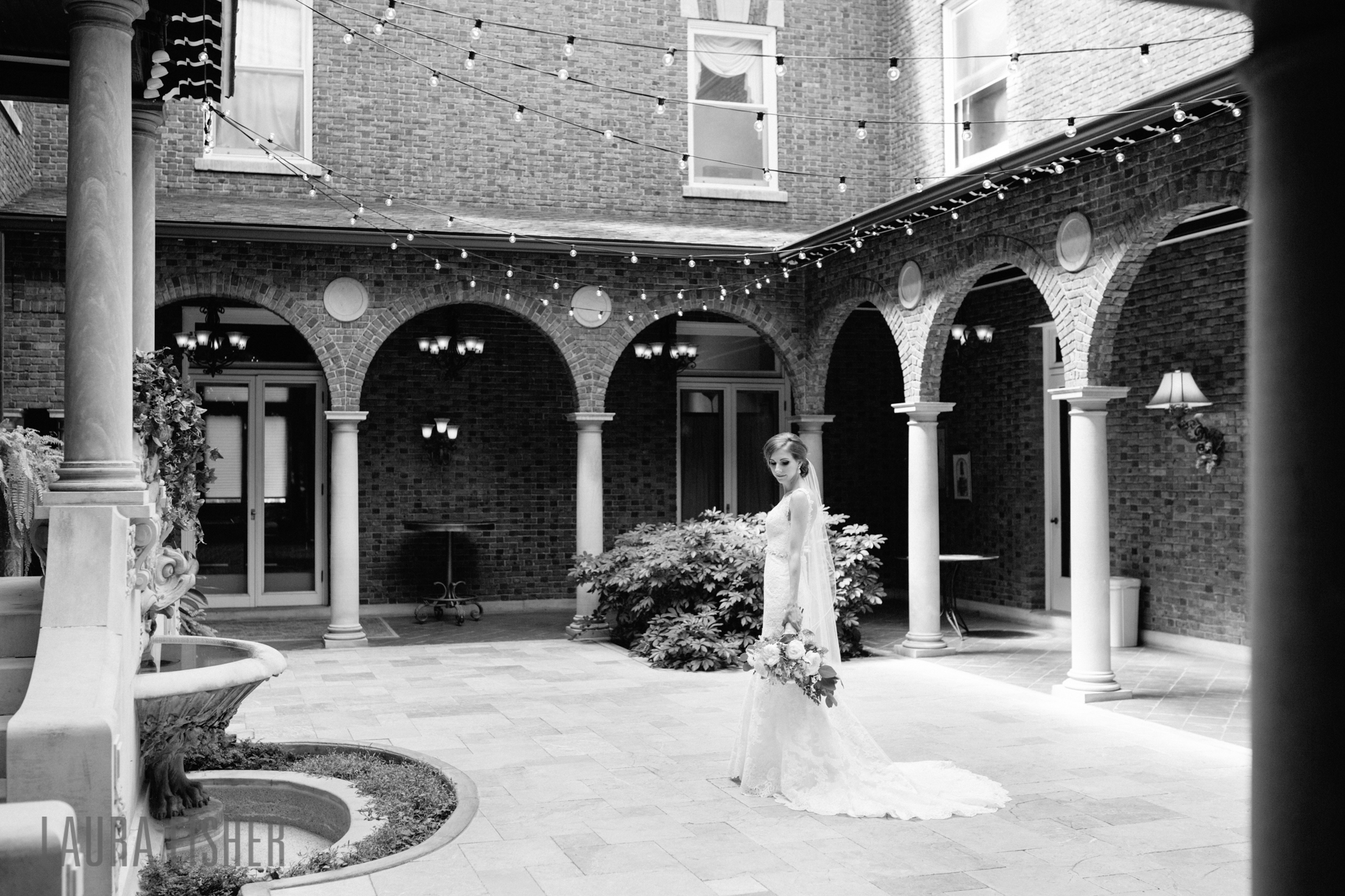 laurel-court-mansion-wedding-cincinnati-0034-2.jpg