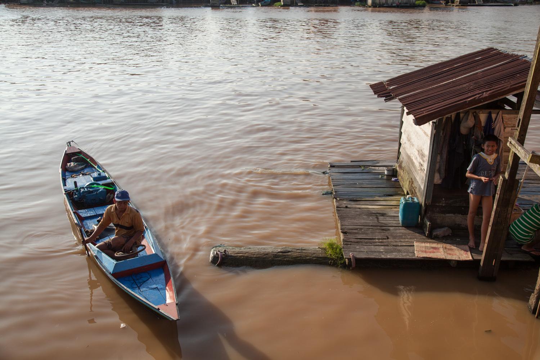INDONESIA Kalimantan Pakalan Bun—2016 August 27 05;18;27.jpg