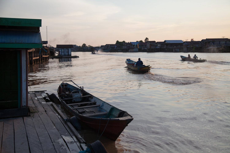 INDONESIA Kalimantan Pakalan Bun—2016 August 27 06;14;52.jpg