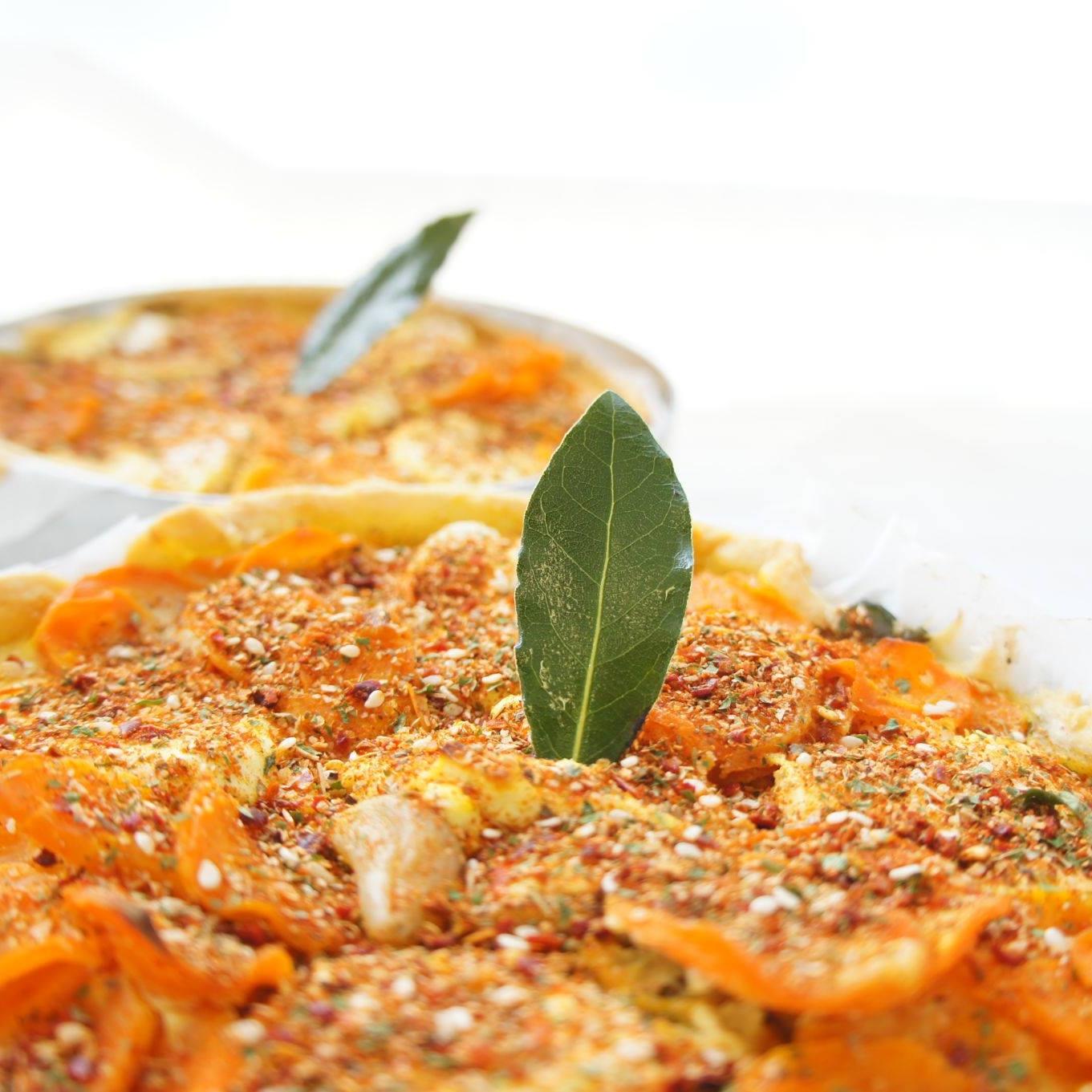 LA TARTENTIERE - la Tartentière produit des tartes sucrées et salées composées d'une pâte croustillante à la farine bio, une garniture faite de légumes frais, de produits de la région et de saison.2 rue des culquoilés - 17630 La Flotte en Ré - tel : +33 5 16 85 49 85