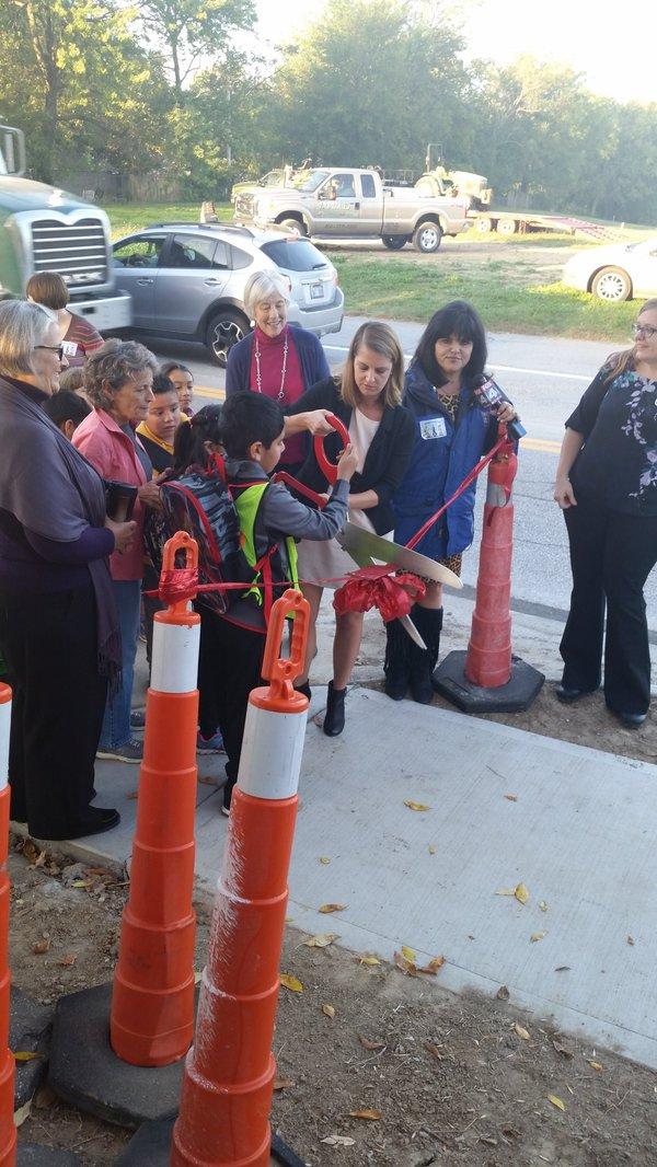 Safe Sidewalks to School on Mission Road