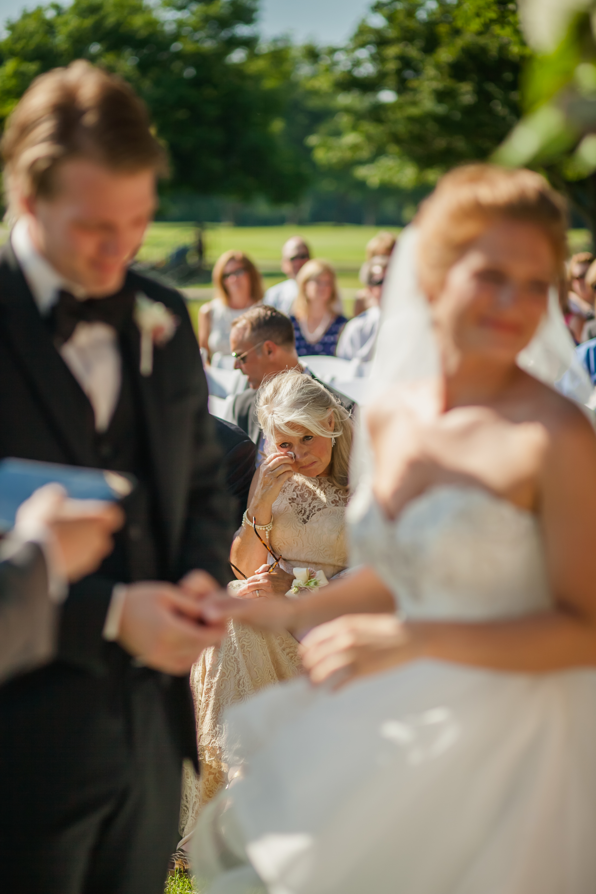 north-shore-golf-club-menasha-wedding-2060.jpg