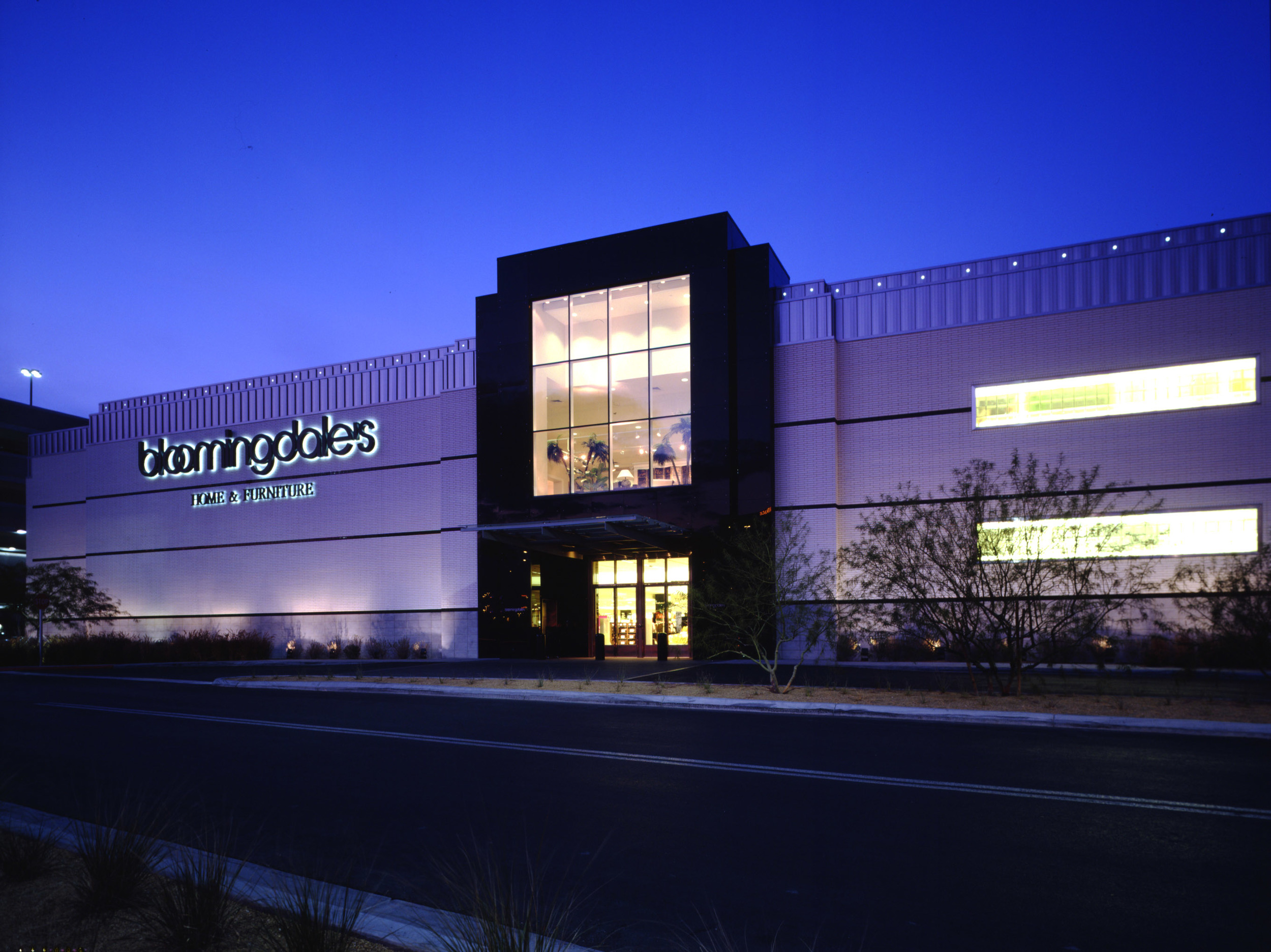 Bloomingdale's Stores