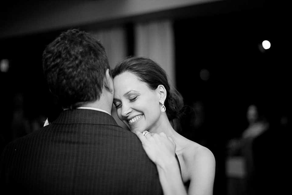 candid wedding photography 0006