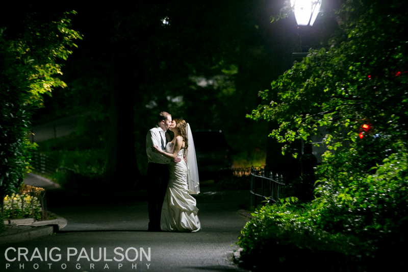 AllieDavid_CraigPaulsonPhotography_CentralParkBoathouse026.jpg