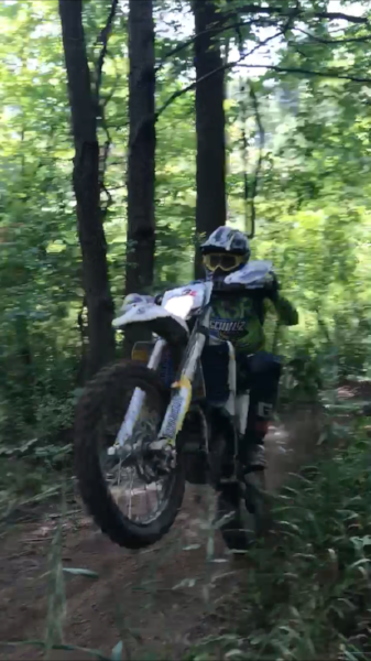 On the gas at 2017 Muddobbers National Enduro