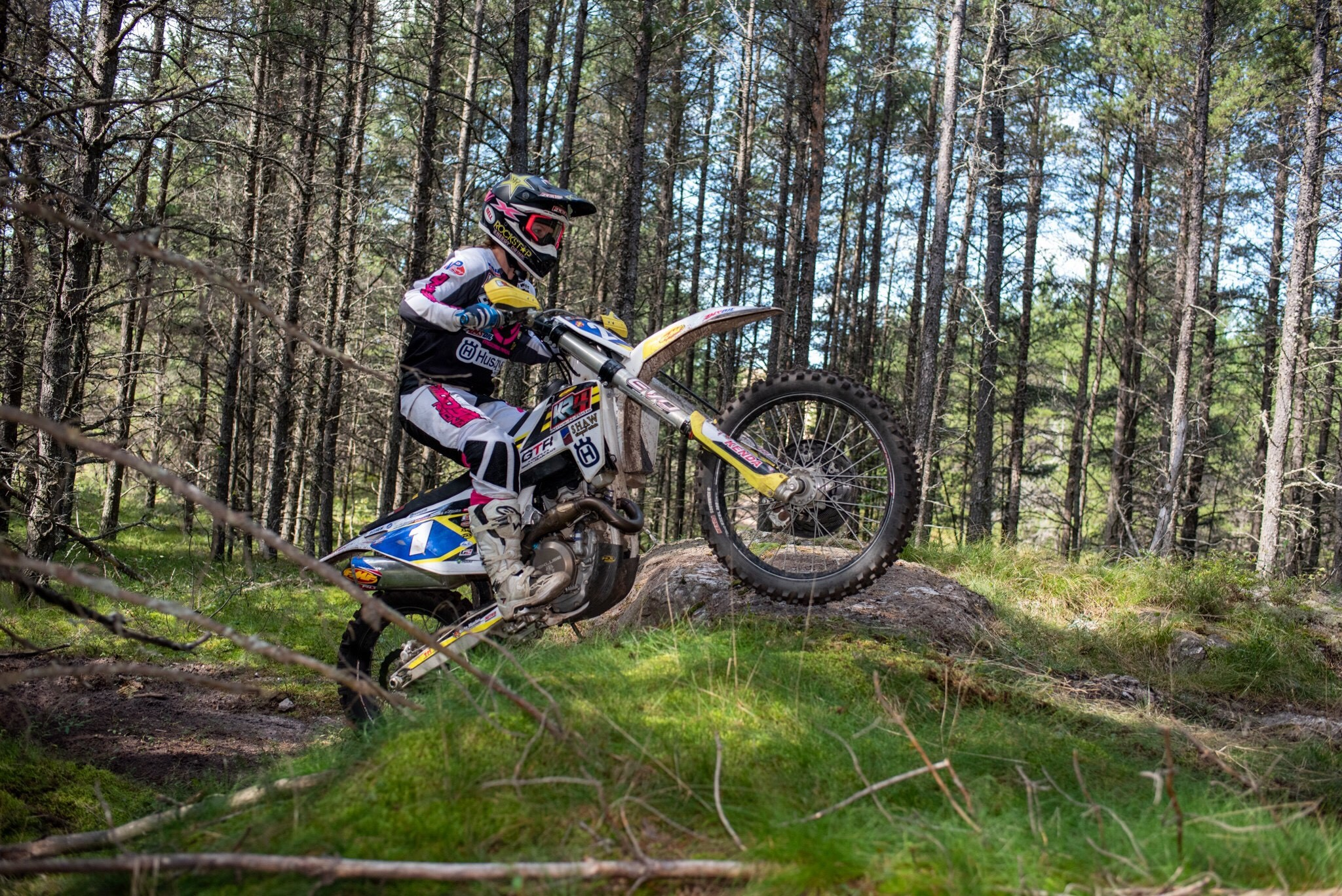 Tayla Jones battled the weekend with Australia rider Mackenzie Tricker and ended up taking 2nd place in the Women's Elite class.
