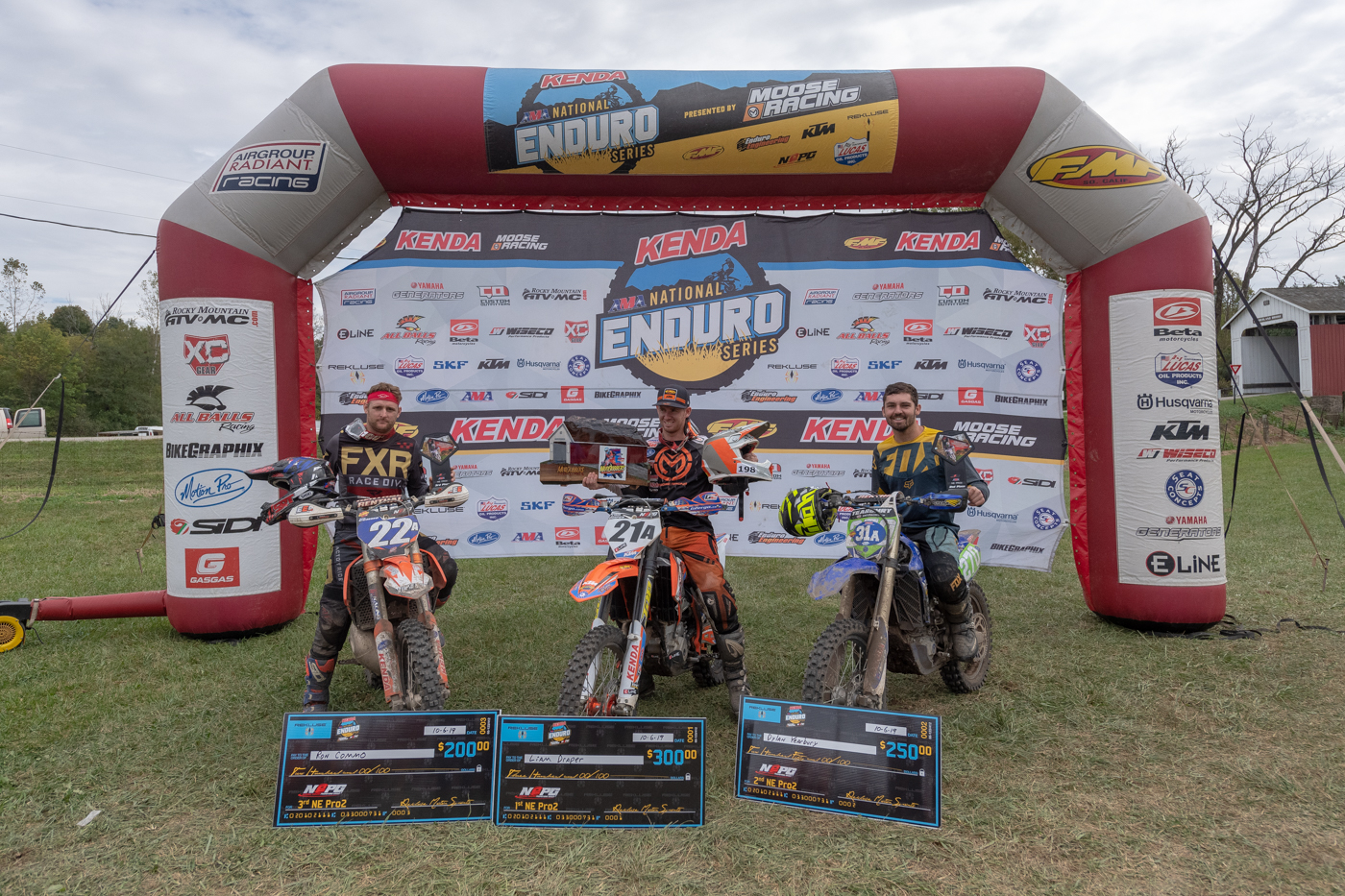 Pro2-podium-muddob-042.jpg