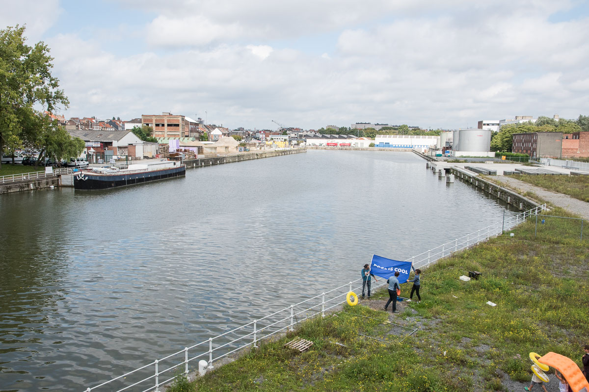 The harbor at Biestebroeck, comparable to the situation in harbor of Copenhagen.
