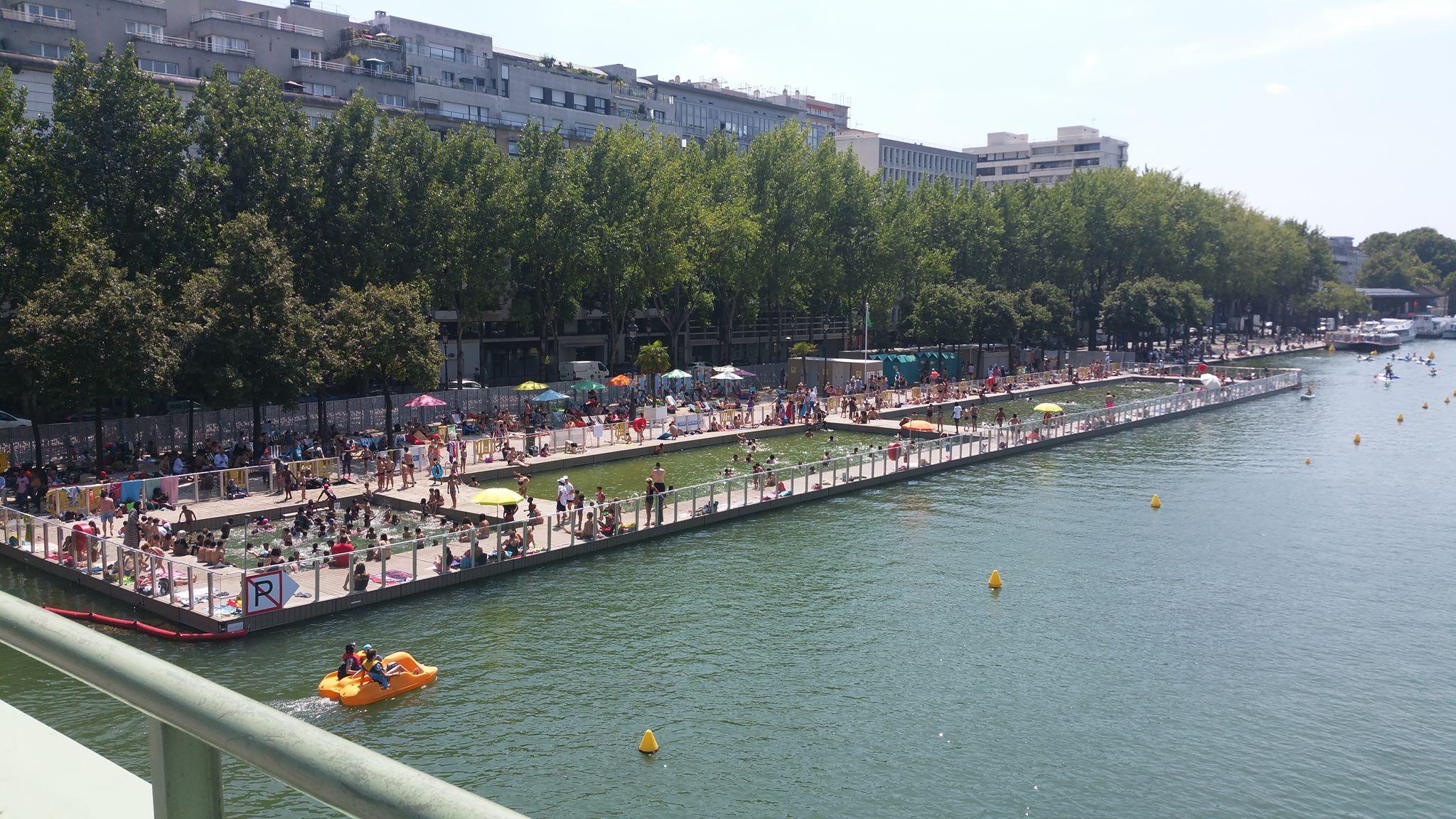 """La Baignade"", la piscine du bassin de la Villette, Paris"