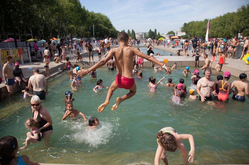 1040065-prodlibe-ouverture-a-la-nage-d-une-partie-du-bassin-de-la-villette.jpg