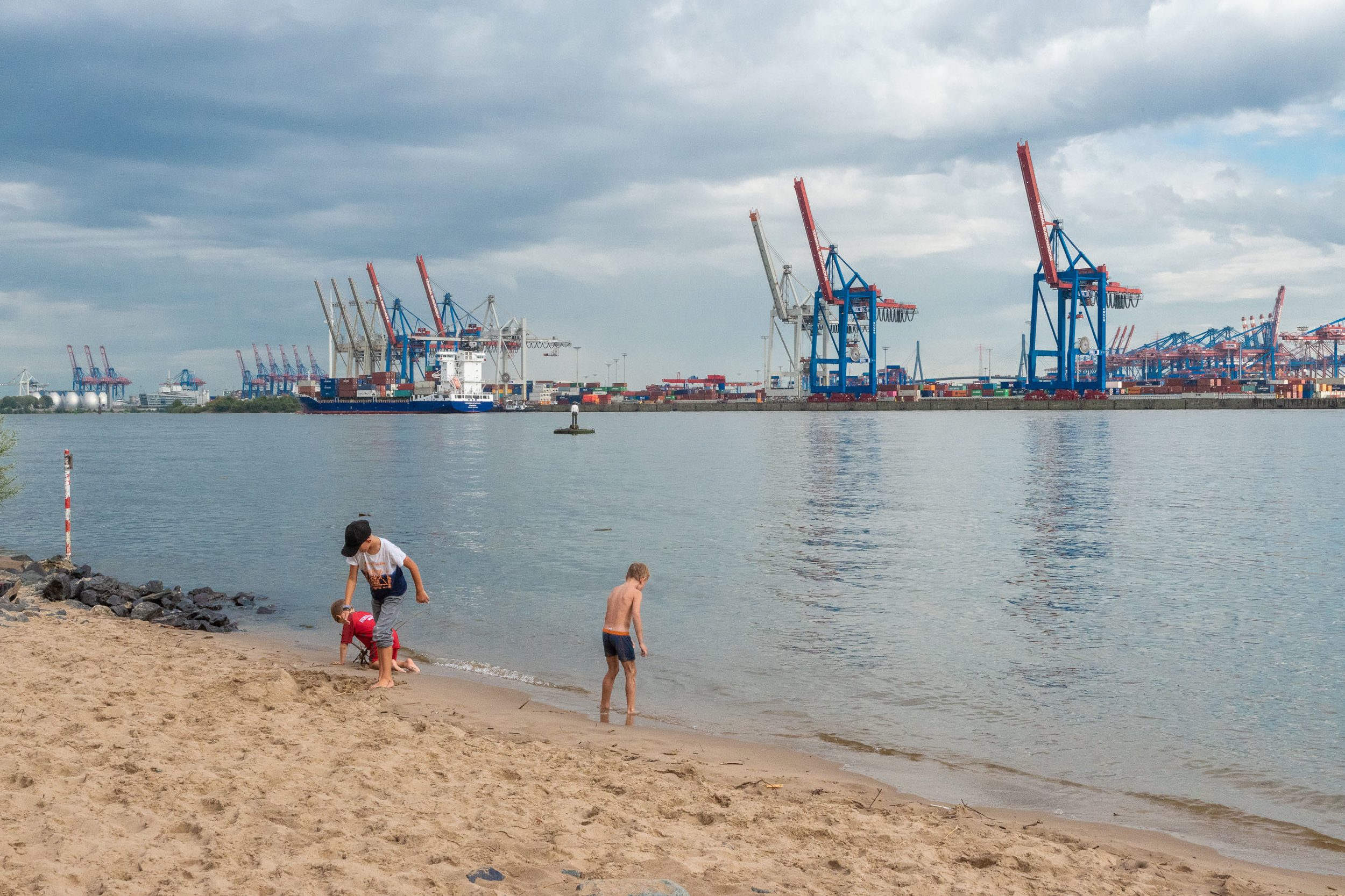 The river Elbe, the beach and the harbor.