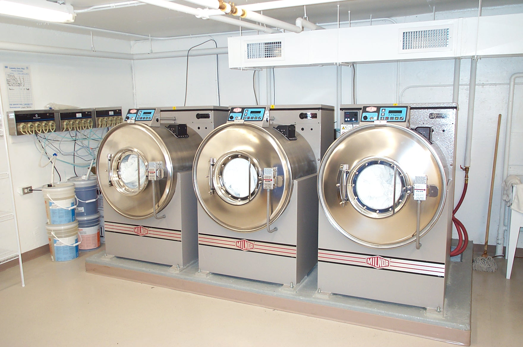 Milnor 4 Points Washers.jpg