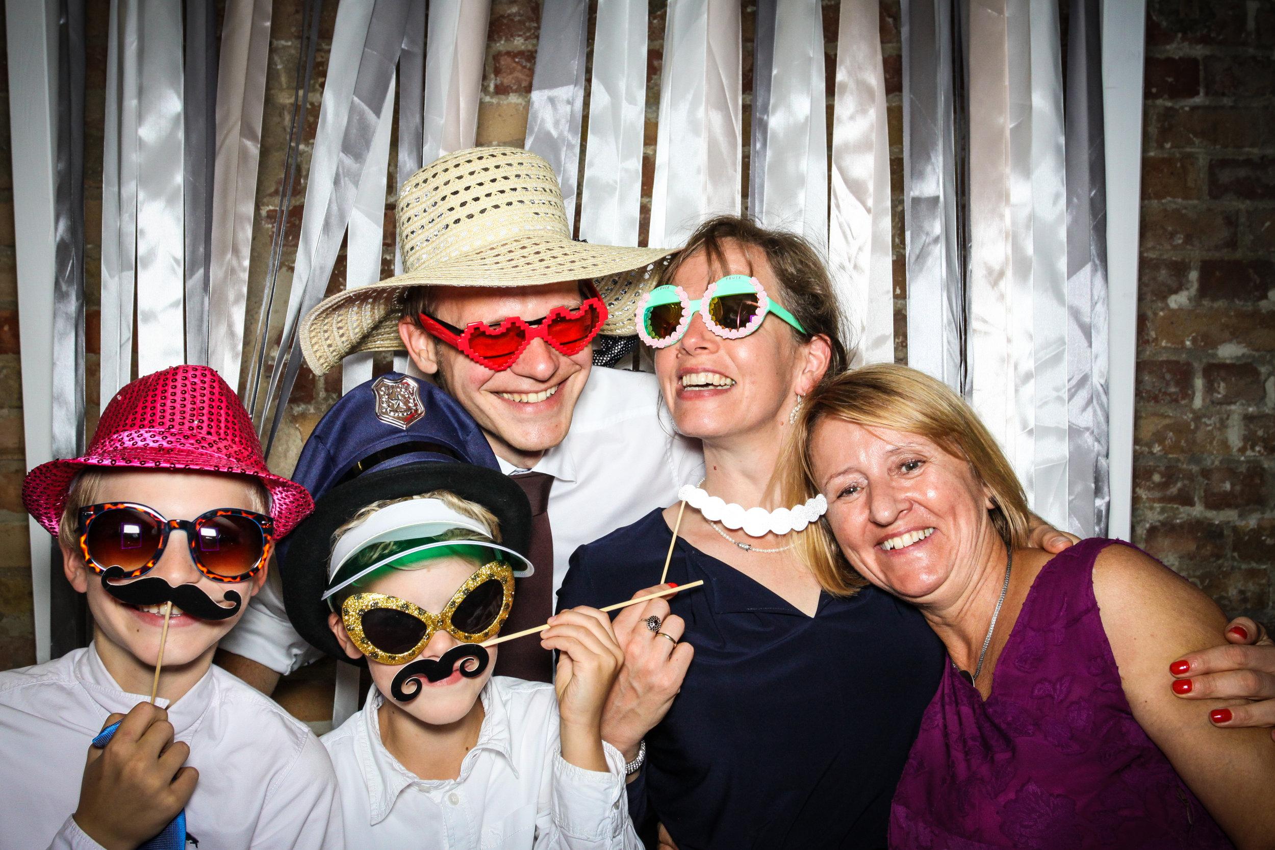 Fotobox-Hochzeit-Nora&Robin-142.jpg