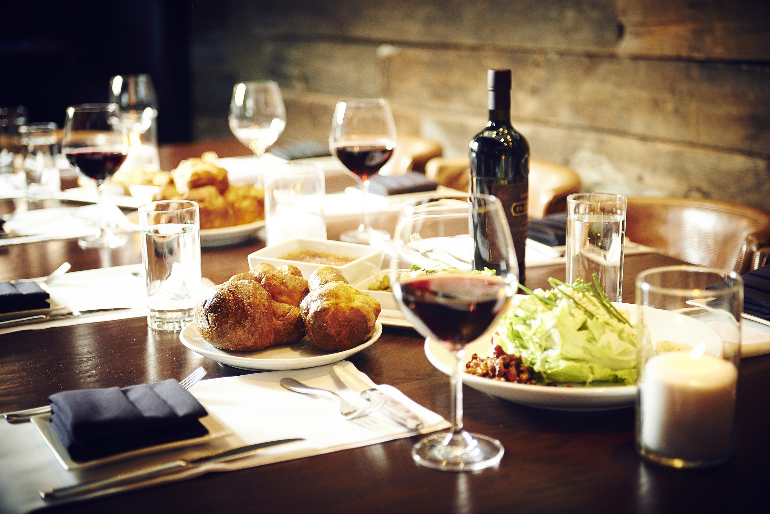 Private, 4-hour guided tour of Nashville's premier dining destination    4-course progressive dinner to include Italian, Asian Fusion, Mexican, and American Steakhouse cuisine    Each course to be enjoyed at four individually acclaimed restaurants
