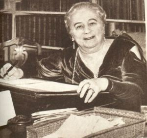 Baroness Orczy at work