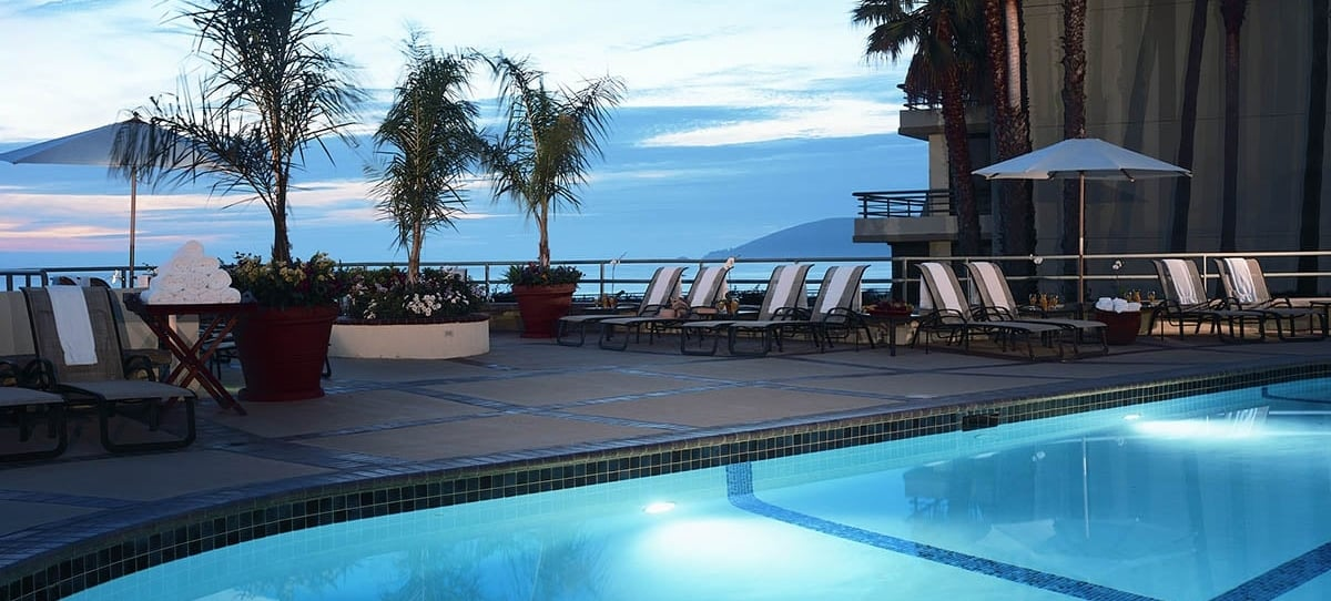 Cliffs Resort Pool.jpg