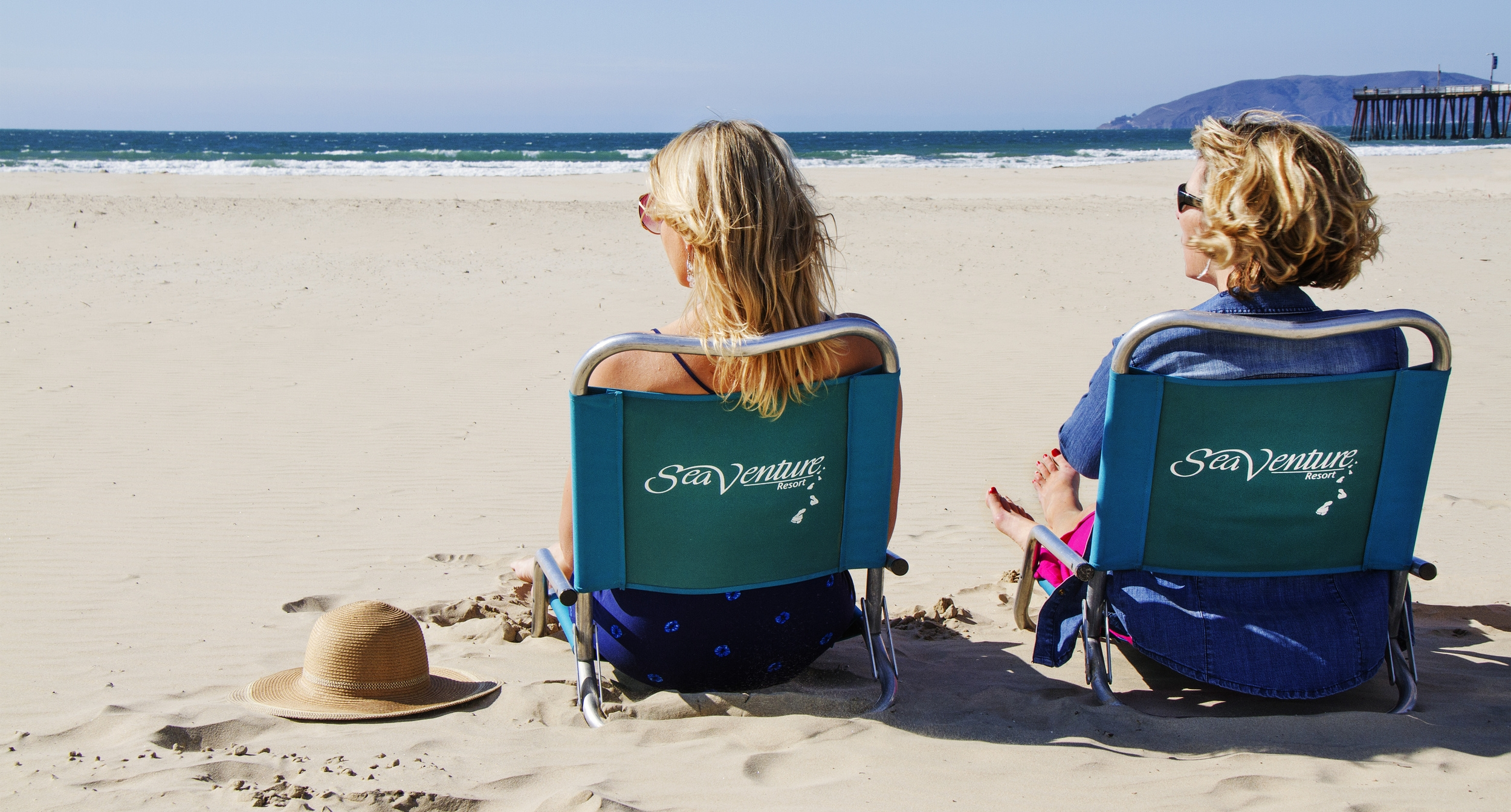 Girls on beach 1.jpg