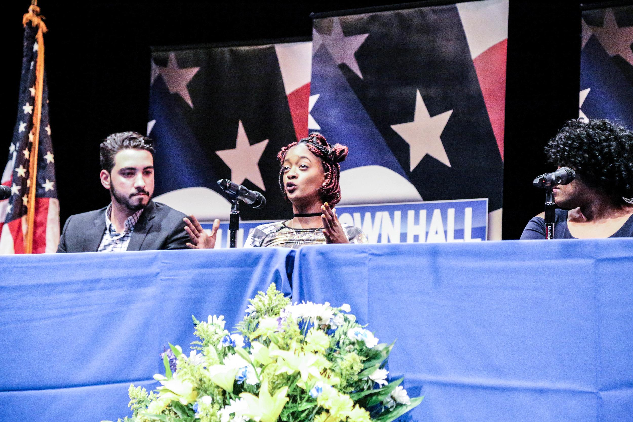 Howard Townhall 6|12|17-28.jpg