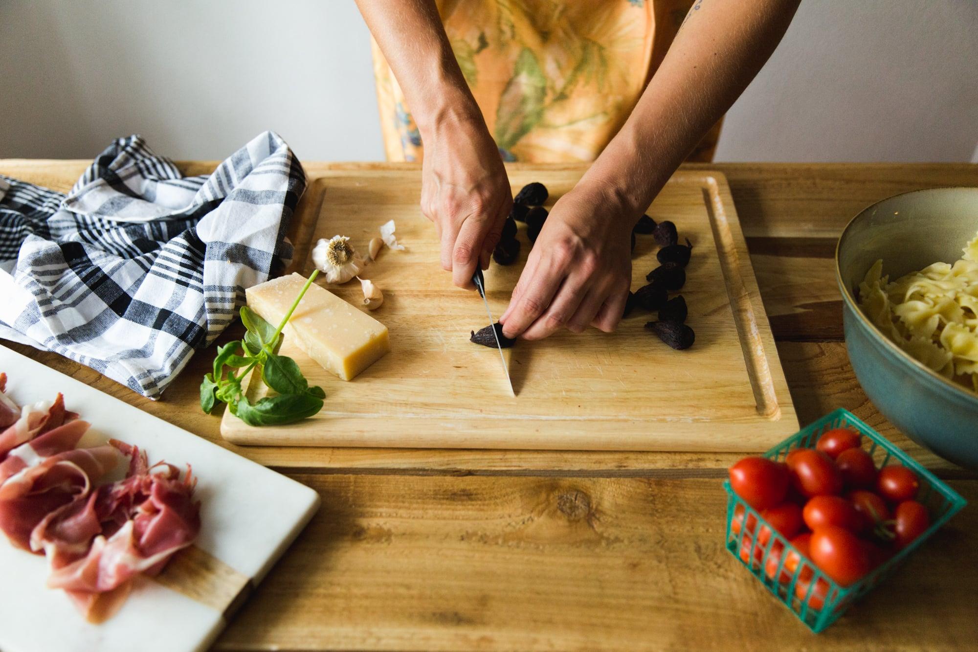 fig-prosciutto-pasta-salad-recipe-5.jpg