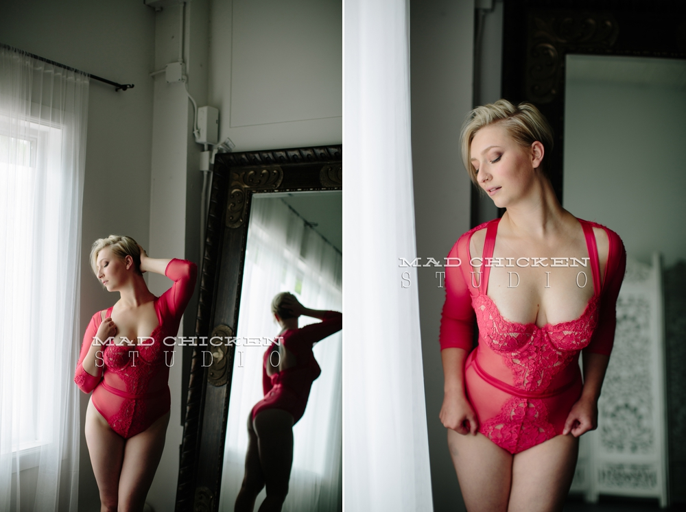 Duluth Boudoir Photography session of hair and makeup artist Emily by photographer Jes Hayes of Mad Chicken Studio