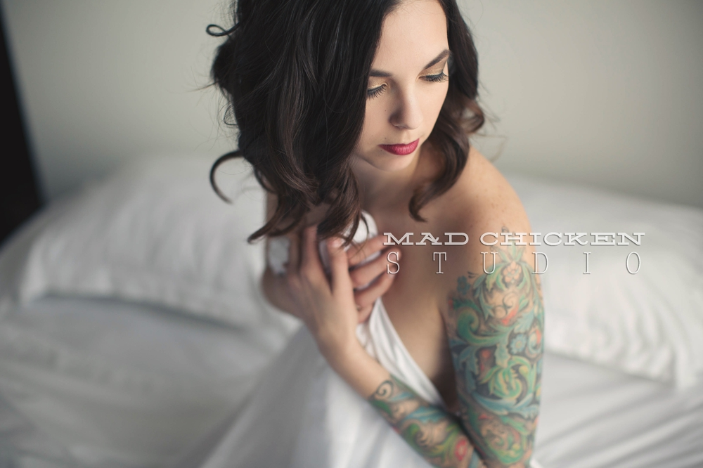 Studio boudoir photography session in Duluth, MN | photographer Jes Hayes of Mad Chicken Studio