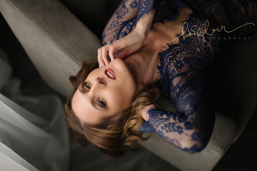 Lace blue gown | Jen at Duluth Boudoir Photography in Minnesota | grey ottoman and loveseat in front of wall mirror