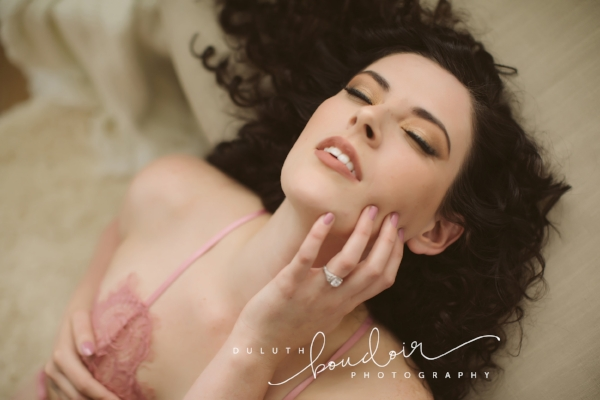 Duluth Boudoir Photography by Mad Chicken Studio - #duluthboudoirphotography