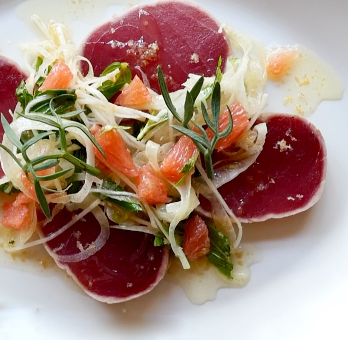 SEARED YELLOW FIN TUNA, KOHIRABI, FENNEL, GRAPEFRUIT, MINT, SEA FENNEL AND RED VEIN SORREL