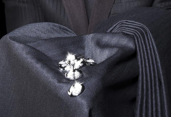 DDlewis-cloth.jpg