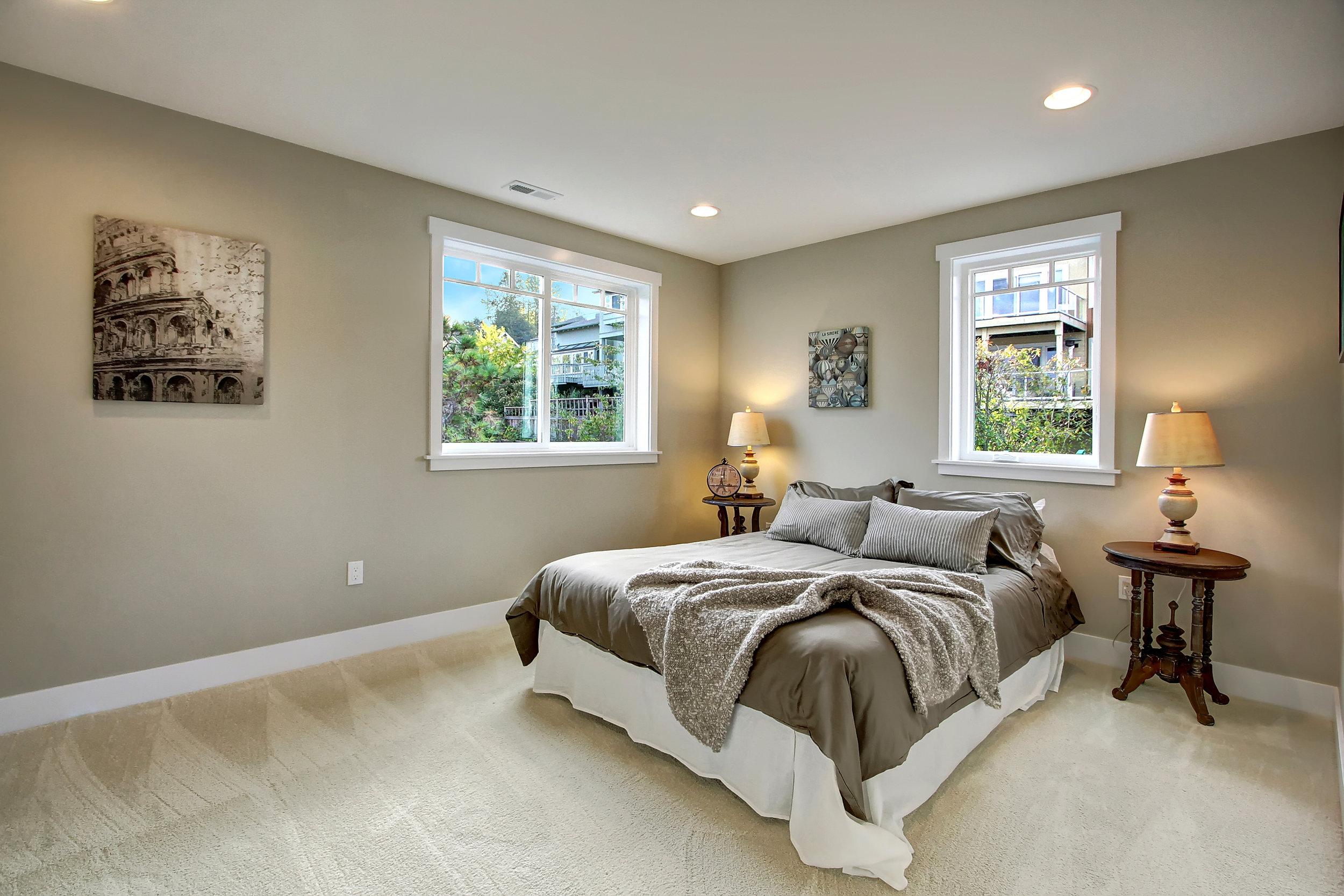 20 upstairs bedroom.jpg