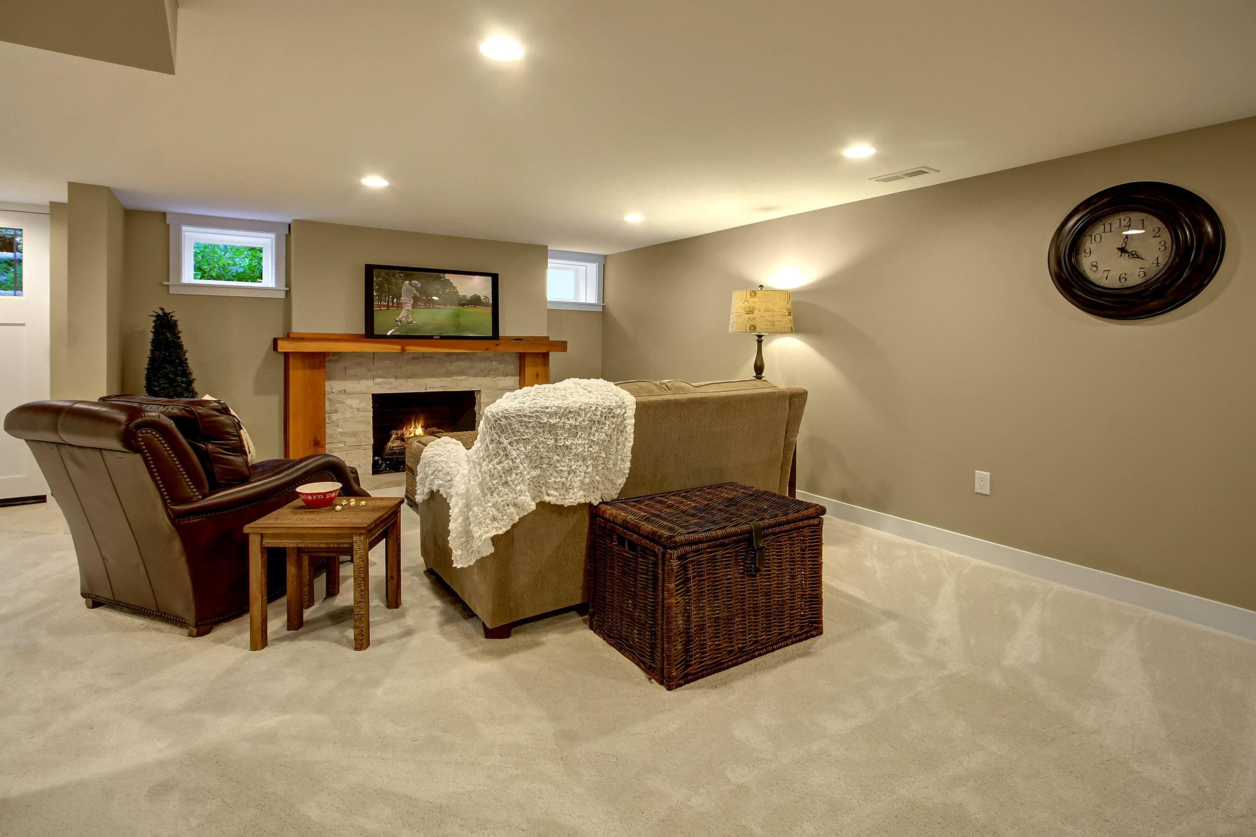 22 family room.jpg