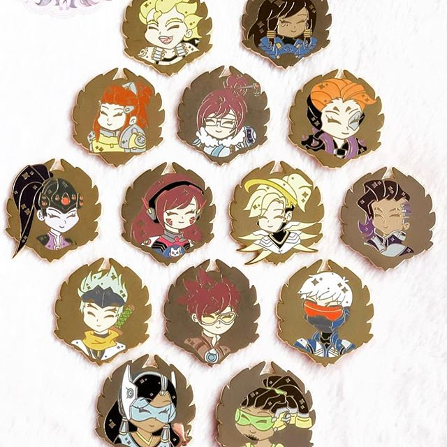 I want these pins so bad!!!!