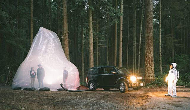 Monday morning throwback to this collaboration in the woods with @colturaarts and @samajex . . . . . #climatechange #inflatablearchitecture #postapocalyptic #performance #seattle #popup #guerrilaart